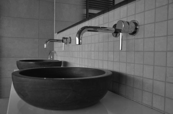 Badkamer toilet of douche vernieuwen? badkamerhuis!