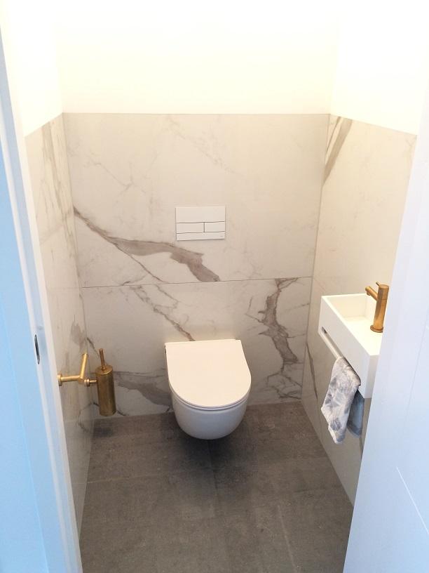 Toilet badkamerhuis